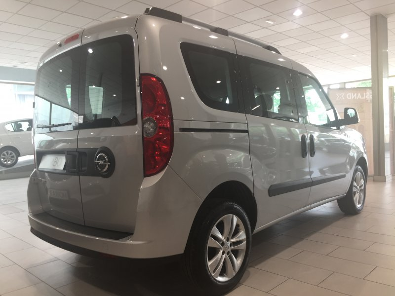 Opel Combo Tour Express. 1.6 CDTI 105 S/S L2 H1 In. Tour Expression
