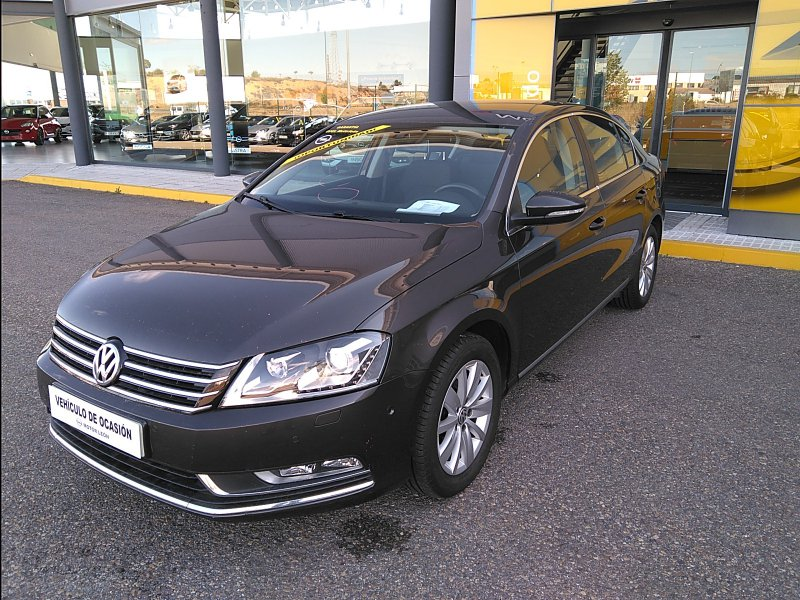 Volkswagen Passat 2.0 TDI 140cv Tech Advance BlueMotion