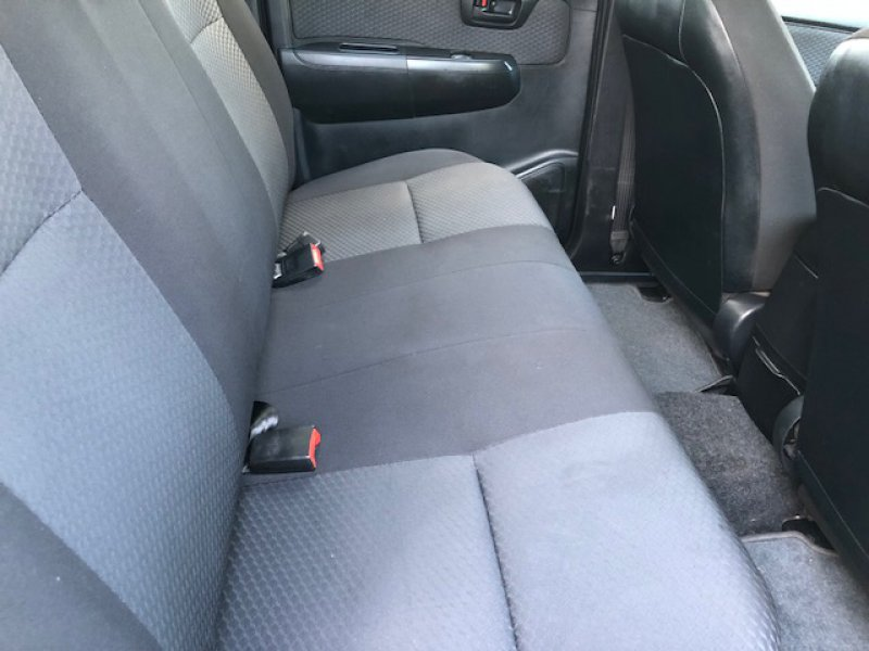 Toyota Hilux 2.5 D-4D Cabina Doble VX