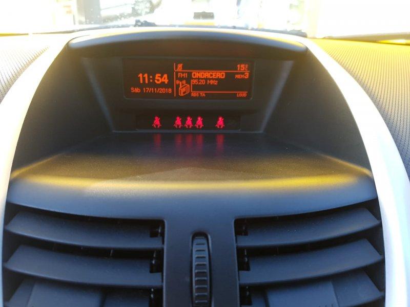Peugeot 207 BUSINESS LINE 1.4 HDI 70 FAP Business Line