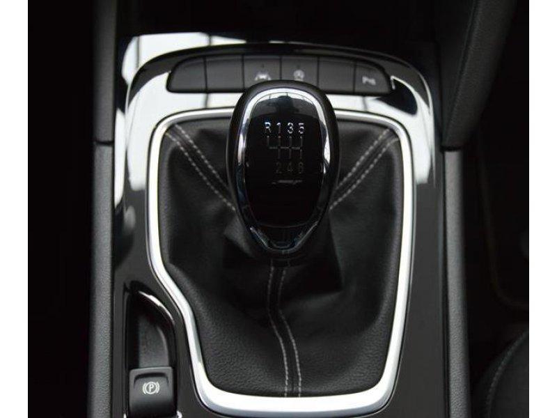 Opel Insignia 1.6 CDTi S&S TURBO D 136CV Selective