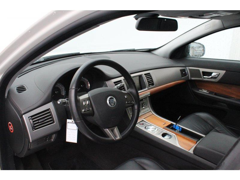 Jaguar XF 3.0 V6 Diésel Luxury