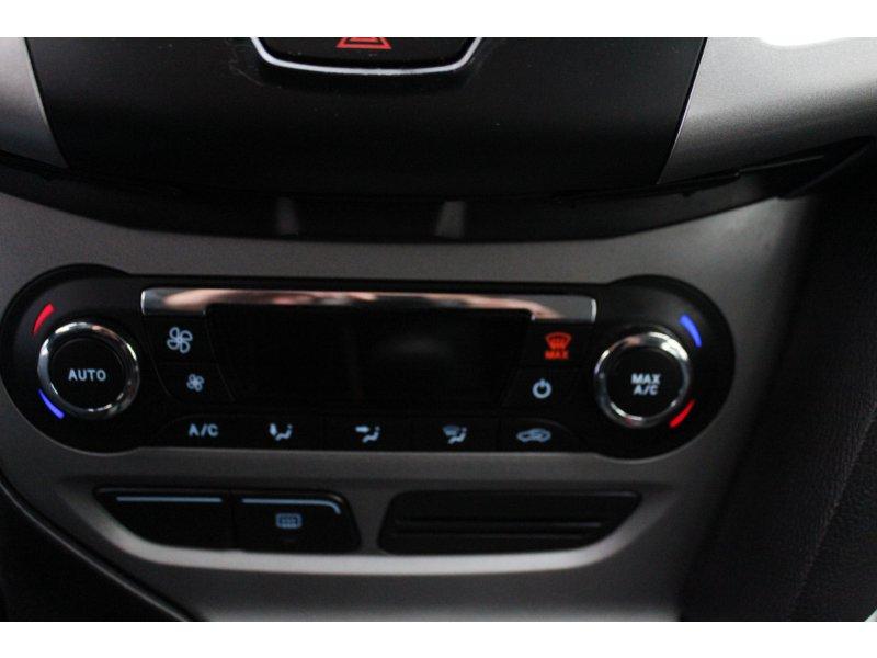 Ford Focus 1.6 105CV Trend