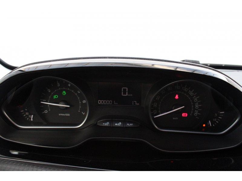 Peugeot 208 3P STYLE 1.2L PureTech 82 Style