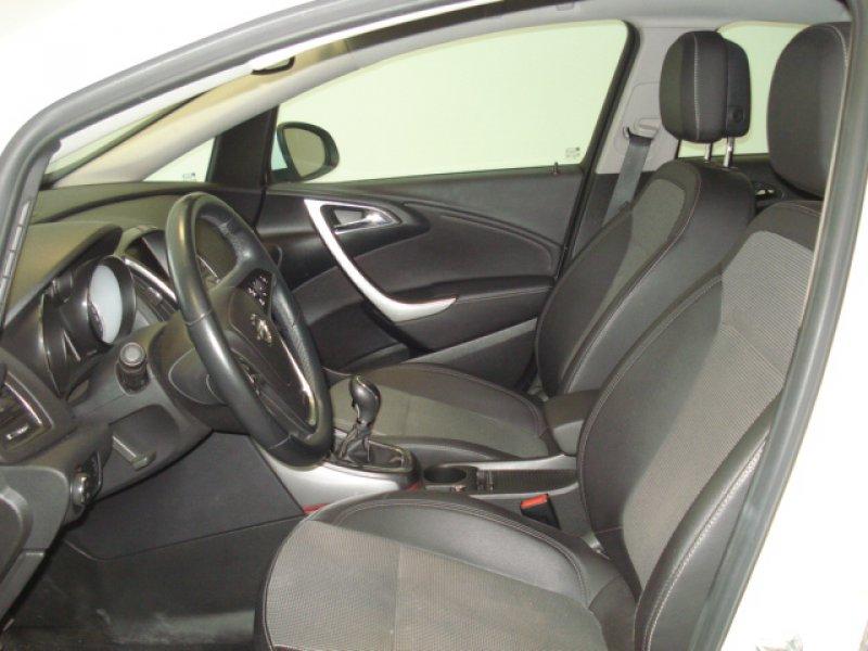 Opel Astra 1.7 CDTi 110 CV Cosmo 5P