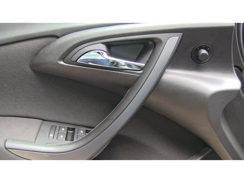 Opel Astra 2.0 CDTi 165 CV ST Selective
