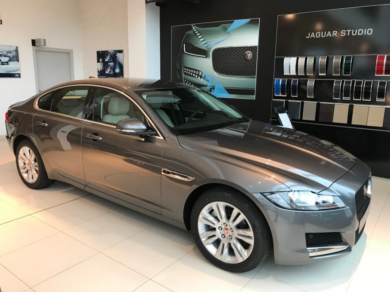 Jaguar XF 2.0D I4 132kW (180CV) Auto Prestige