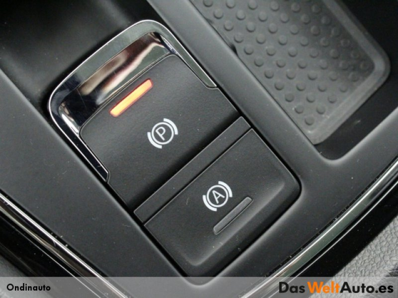 SEAT León 2.0 TDI 150CV DSG-7 FR Fast Edition