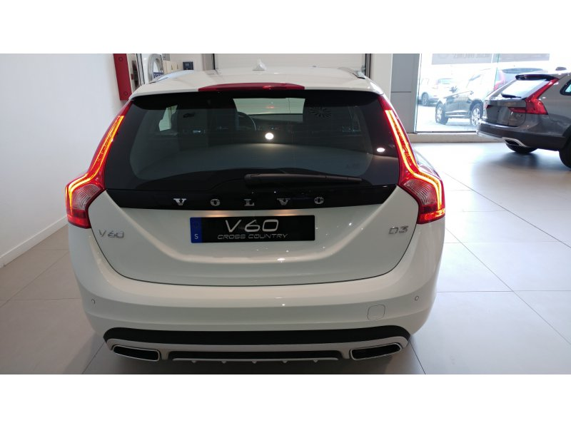 Volvo V60 Cross Country 2.0 D3  150 CV Plus