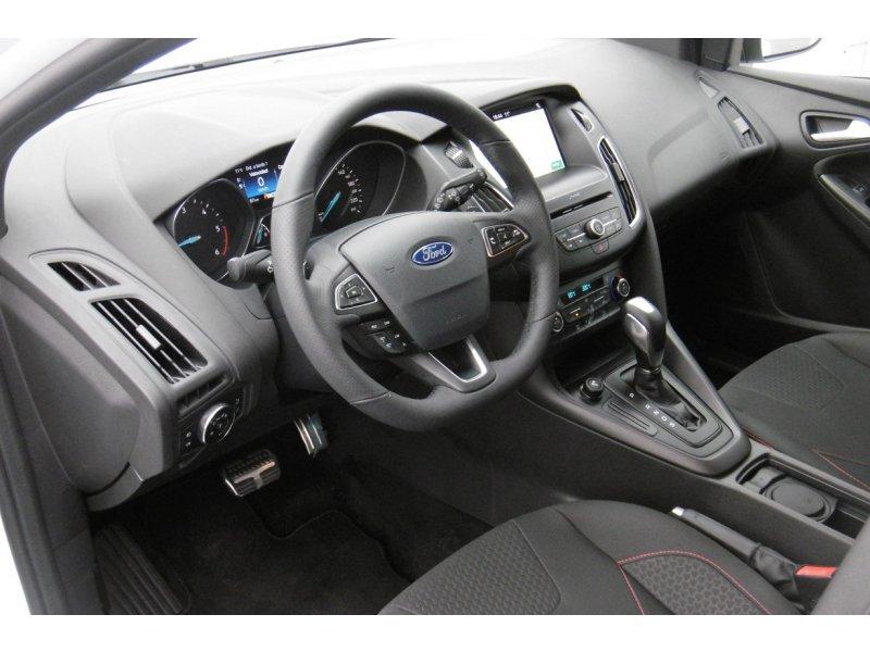 Ford Focus 1.5 TDCi E6 120cv PowerShift ST-Line