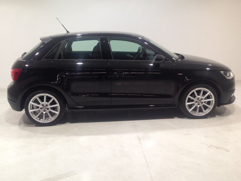 Audi A1 Sportback 1.6 TDI 90CV Attracted