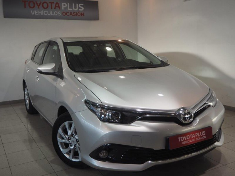 Toyota Auris 90D Active