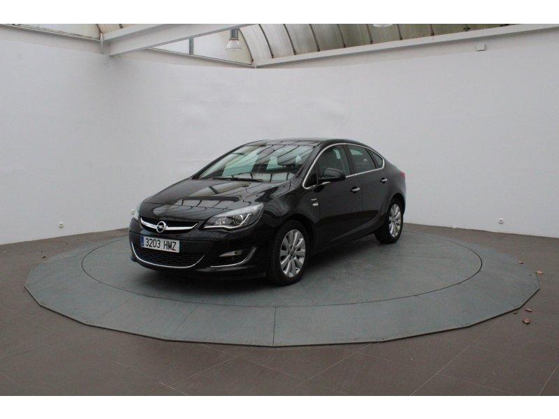 Opel Astra 1.7 CDTi 130 CV Sedan Excellence