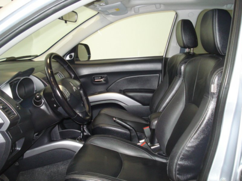 Mitsubishi Outlander 22 D 156 CV 4X4 7z. KAITEKI +