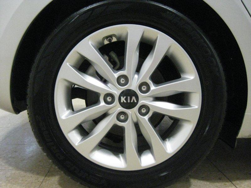 Kia ceed 1.4 CRDi(90CV) LLANTAS ALUMINIO Business