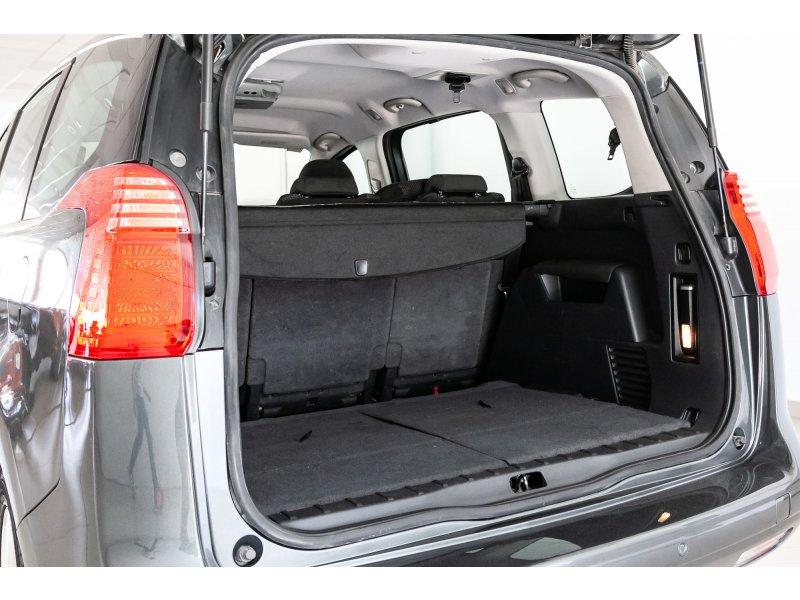 Peugeot 5008 1.6 HDI 110 FAP Confort