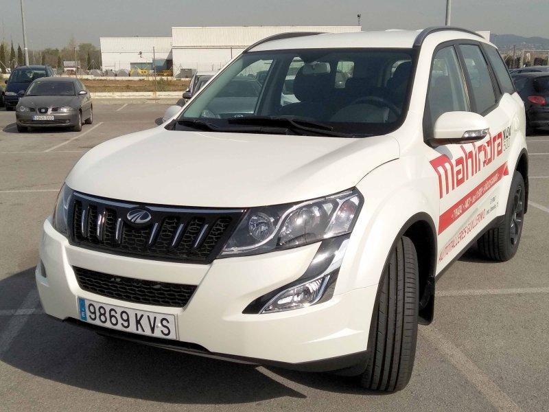 Mahindra XUV500 FWD (4X2) - 7 plazas W8