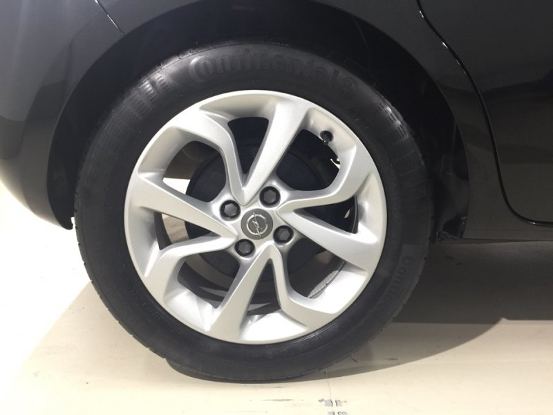 Opel Corsa 1.4 90 CV GLP Selective