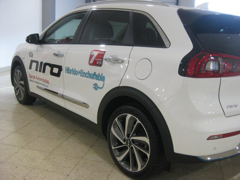 Kia Niro 1.6 GDi Híbrido Enchufable 104kW 141 CV Emotion
