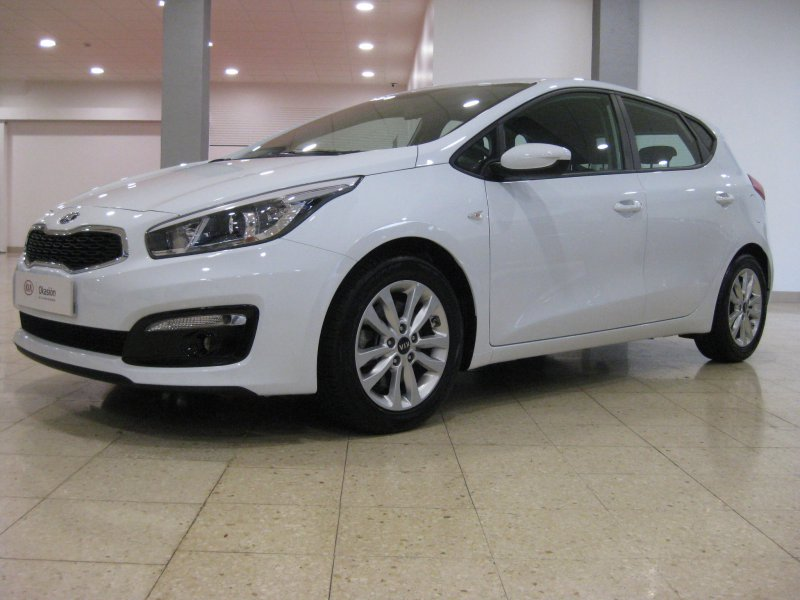 Kia ceed 1.4 CRDi 90CV Business con llantas de aluminio Business