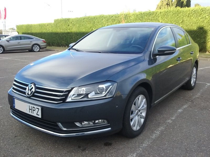 Volkswagen Passat 2.0 TDI 140 Tech Advance Plus BlueM.