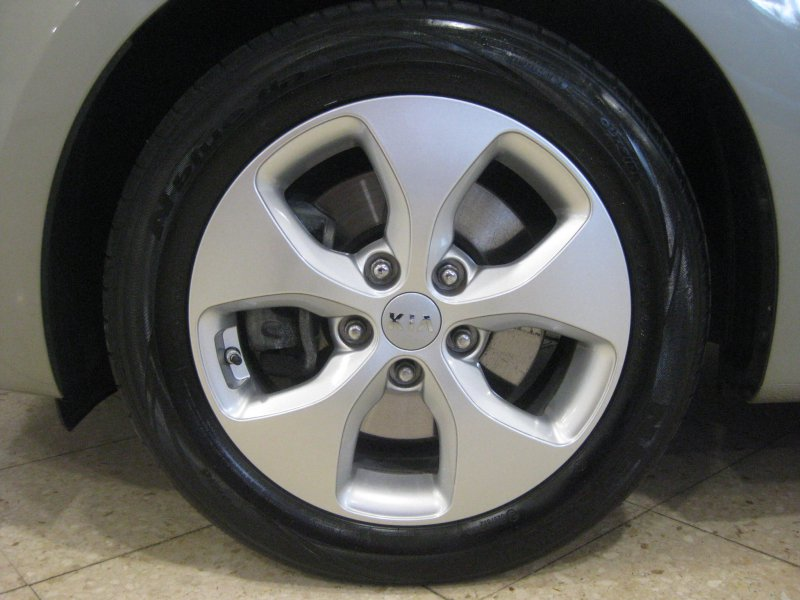 Kia Carens 1.7 CRDI 115 CV   NAVEGADOR x-Tech