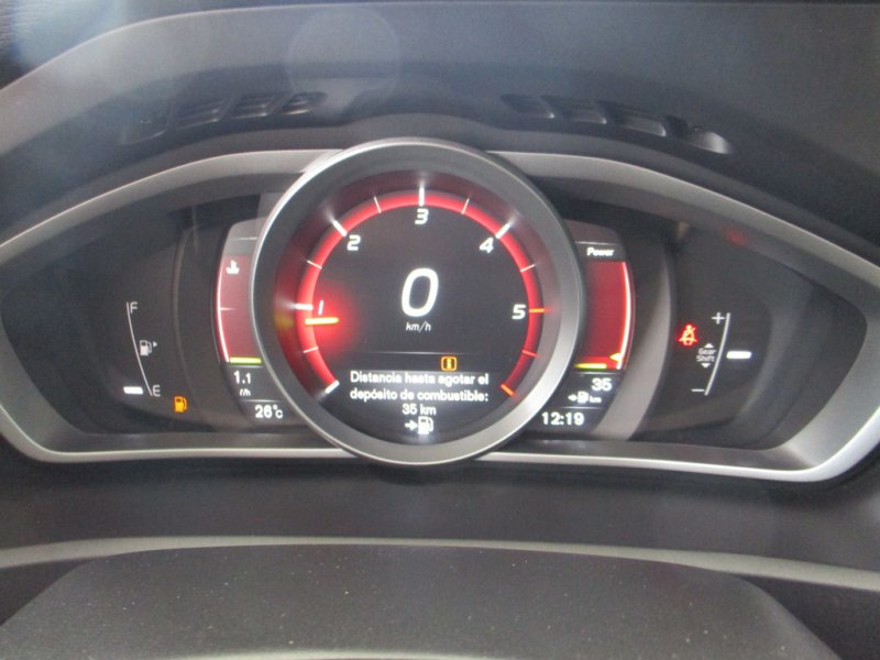 Volvo V40 2.0 D3 Momentum