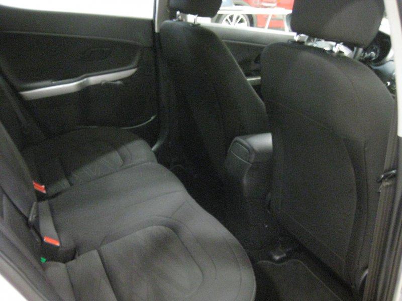 Kia ceed 1.4 CRDi 90CV Business con llantas de aluminio Business