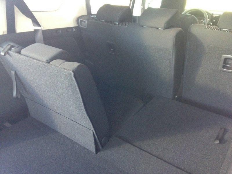 Mitsubishi Outlander 220 DI-D 2WD 7 Plazas Motion