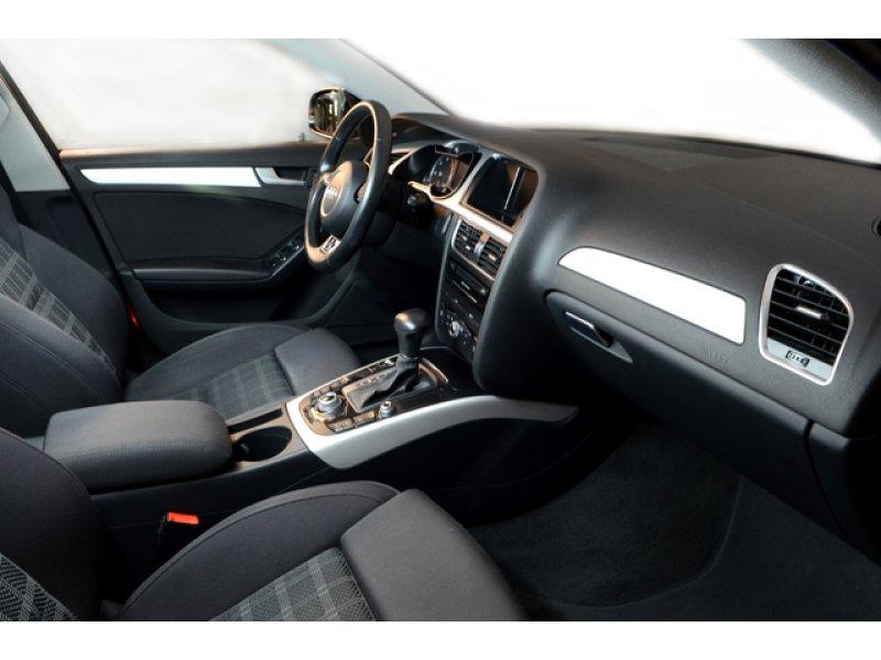 Audi A4 Avant 2.0 TDI 150 multitr S line edition
