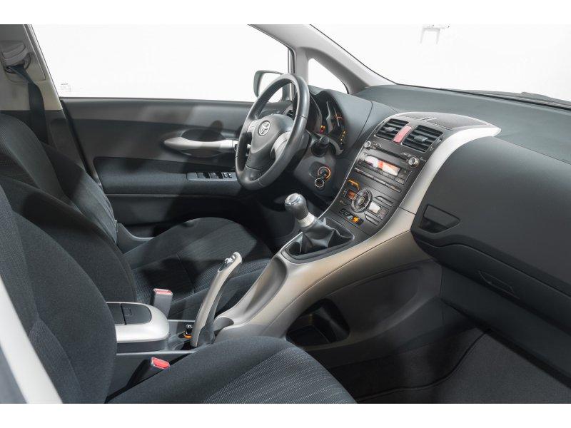 Toyota Auris 1.4 D-4D Luna Plus