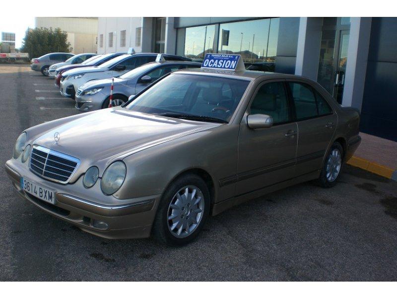 Mercedes-Benz Clase E E 270 CDI ELEGANCE