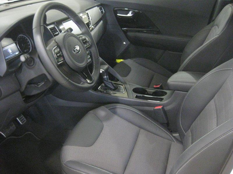 Kia Niro 1.6 GDi Híbrido Enchufable 104kW 141 CV Emotion