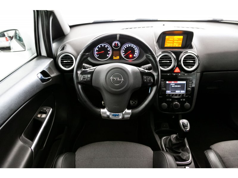 Opel Corsa 1.6 Turbo OPC