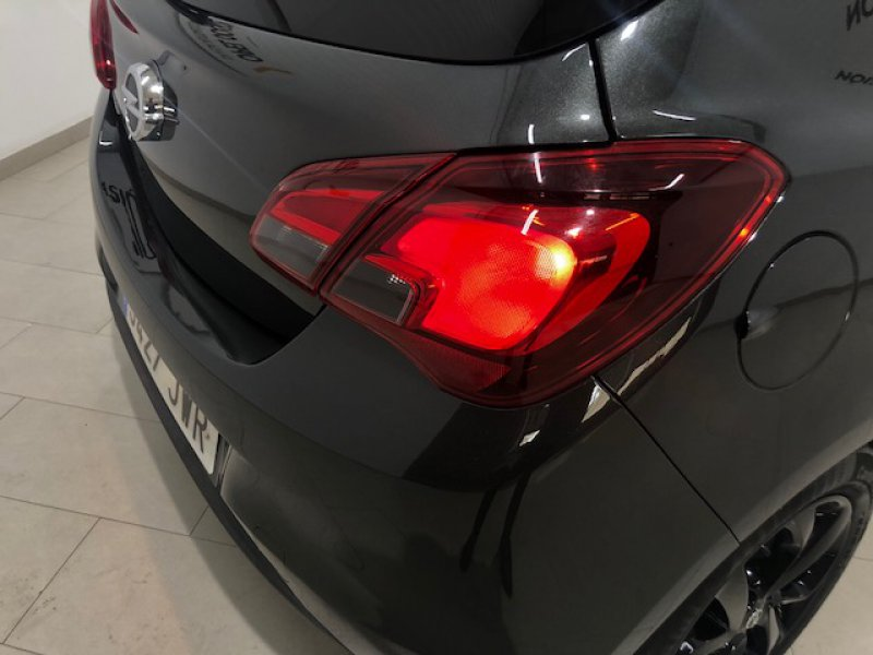 Opel Corsa 1.4 90 CV Color Edition