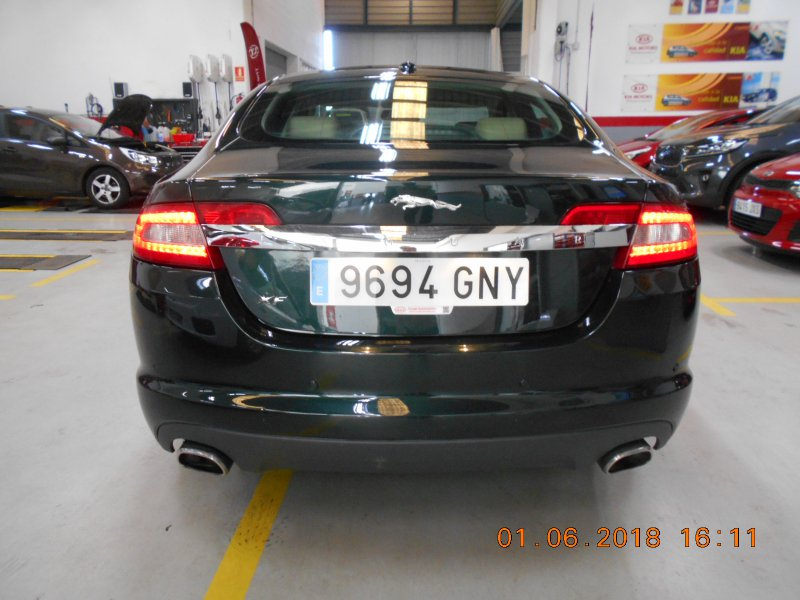 Jaguar XF 2.7D V6 Premium Luxury