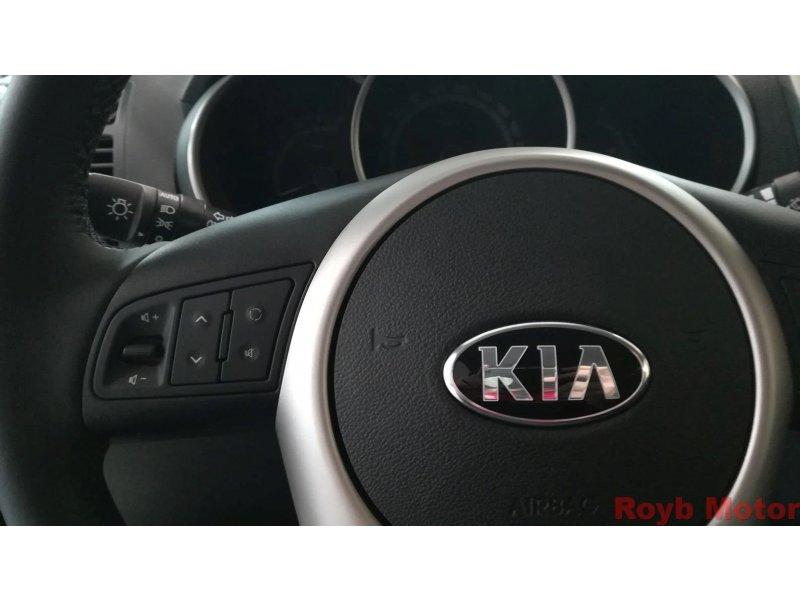 Kia Venga 1.6 CRDi VGT 128CV Drive
