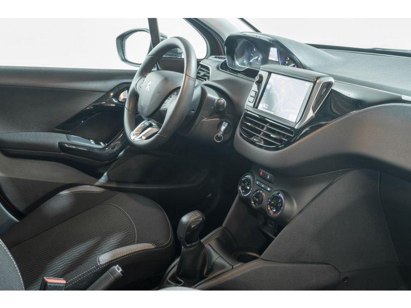 Peugeot 208 5P ALLURE 1.2L PureTech 82 Allure